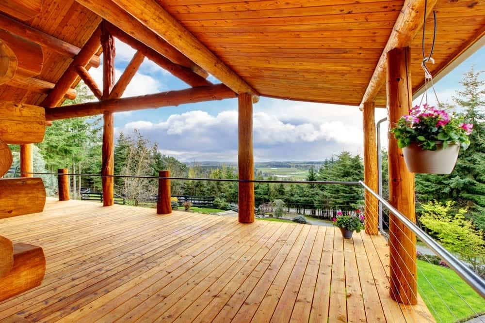 private deck at a large family cabin rental in Pigeon Forge