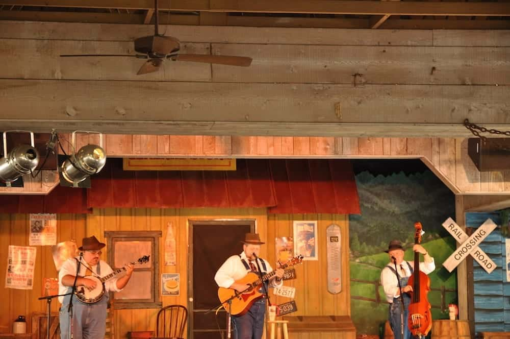 Pigeon Forge show at Dollywood