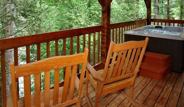 4 Reasons to Rent a Cabin Within Walking Distance of Downtown