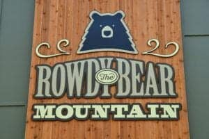 Sign for Rowdy Bear Mountain in Gatlinburg Tn